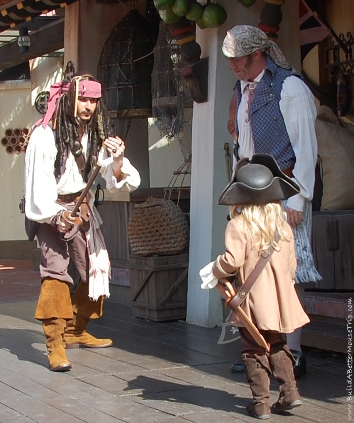 Finding Pirates at Disney World - Captain Jack's Pirate Tutorial in Advantureland at the Magic Kingdom - Disney World