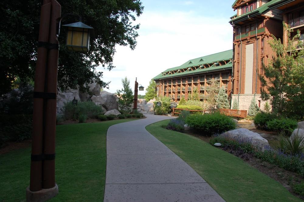 Disney's Wilderness Lodge Courtyard Views