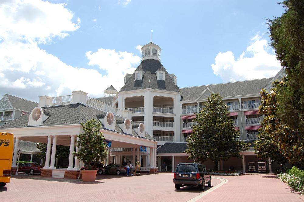 Disney's Yacht Club Entrance