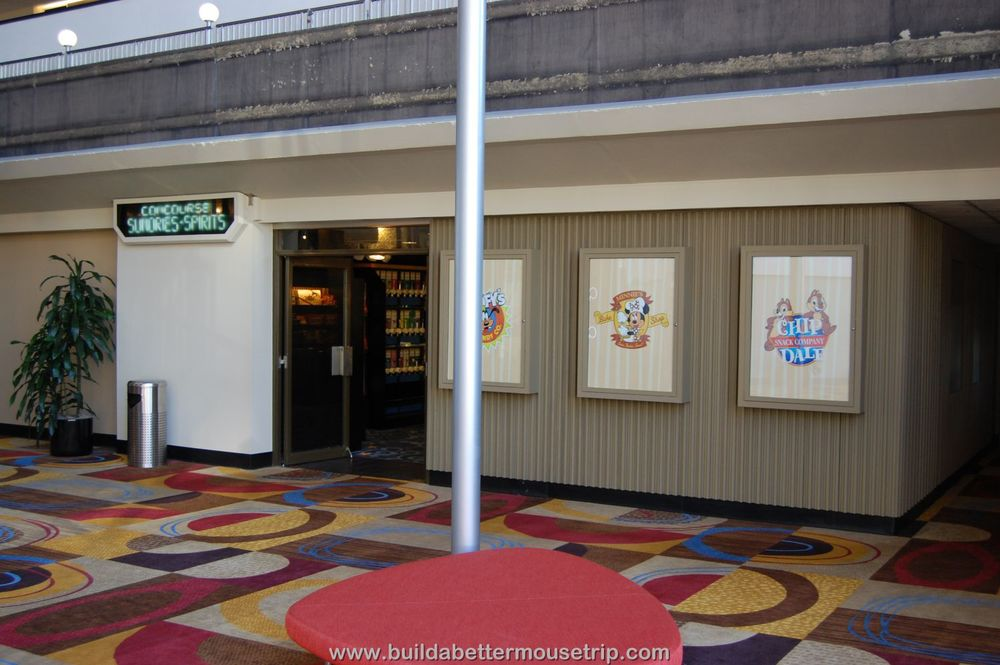 Disney's Contemporary Resort Photos & Information  - Concourse Sundries and Spirits