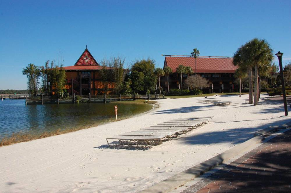 WHITE SAND BEACH AT DISNEY'S POLYNESIAN VILLAGE RESORT / DISNEY WORLD.