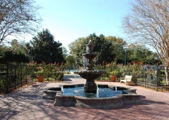 Disney's All Star Music Jazz Inn Courtyard