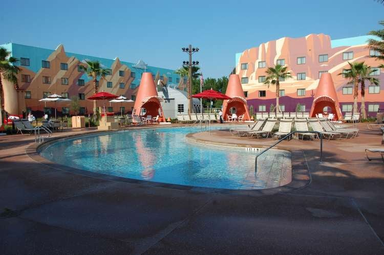 Art-of-Animation-555-Disneys-Art-of-Animation-Resort-Cars-Swimming-pool.JPG