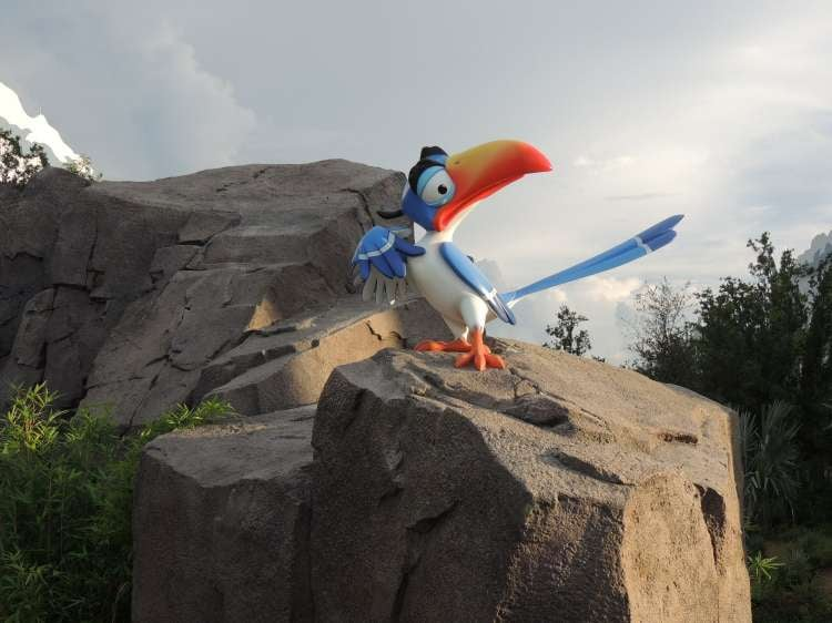 Art-of-Animation-685-Lion-King-ZaZu-statue.JPG