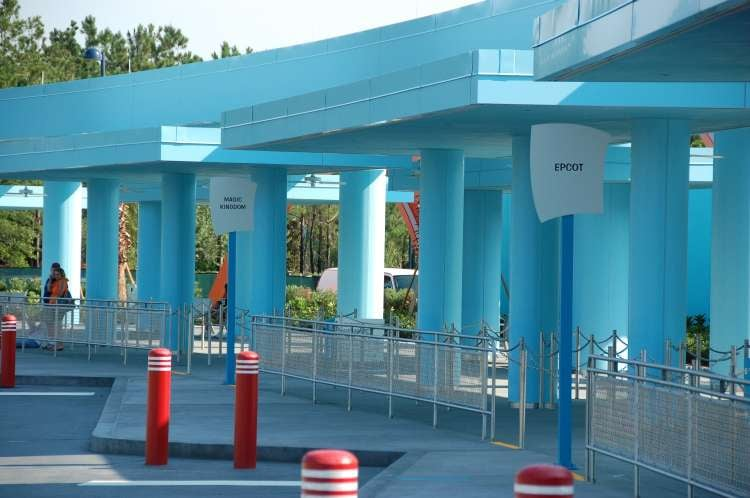 Disney's-Art-of-Animation-bus-stops (2).JPG