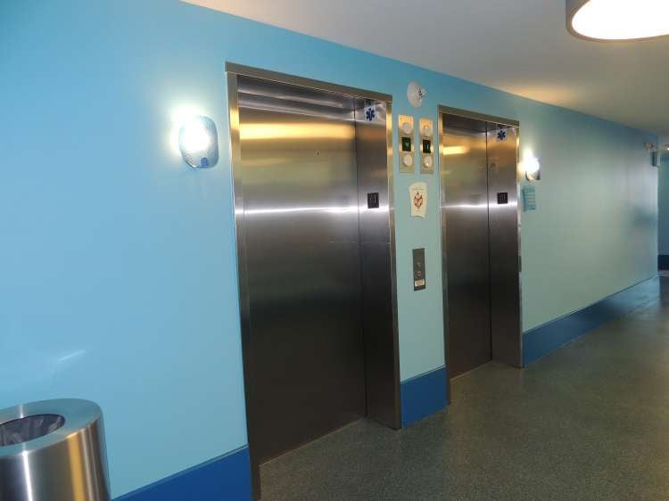 Disney's-Art-of-Animation-Finding-Nemo-Hotel-Elevators.JPG