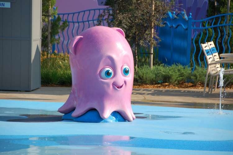 Disney's-Art-of-Animation-Pearl-the-Octopus-at-the-Finding-Nemo-water-play-area.JPG