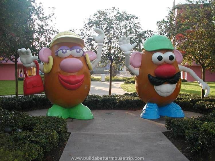 Mr. & Mrs Potato Head at Disney's Pop Century Resort