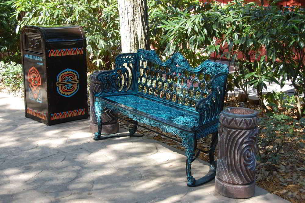 Disneys-Polynesian-Village-Seating.jpg