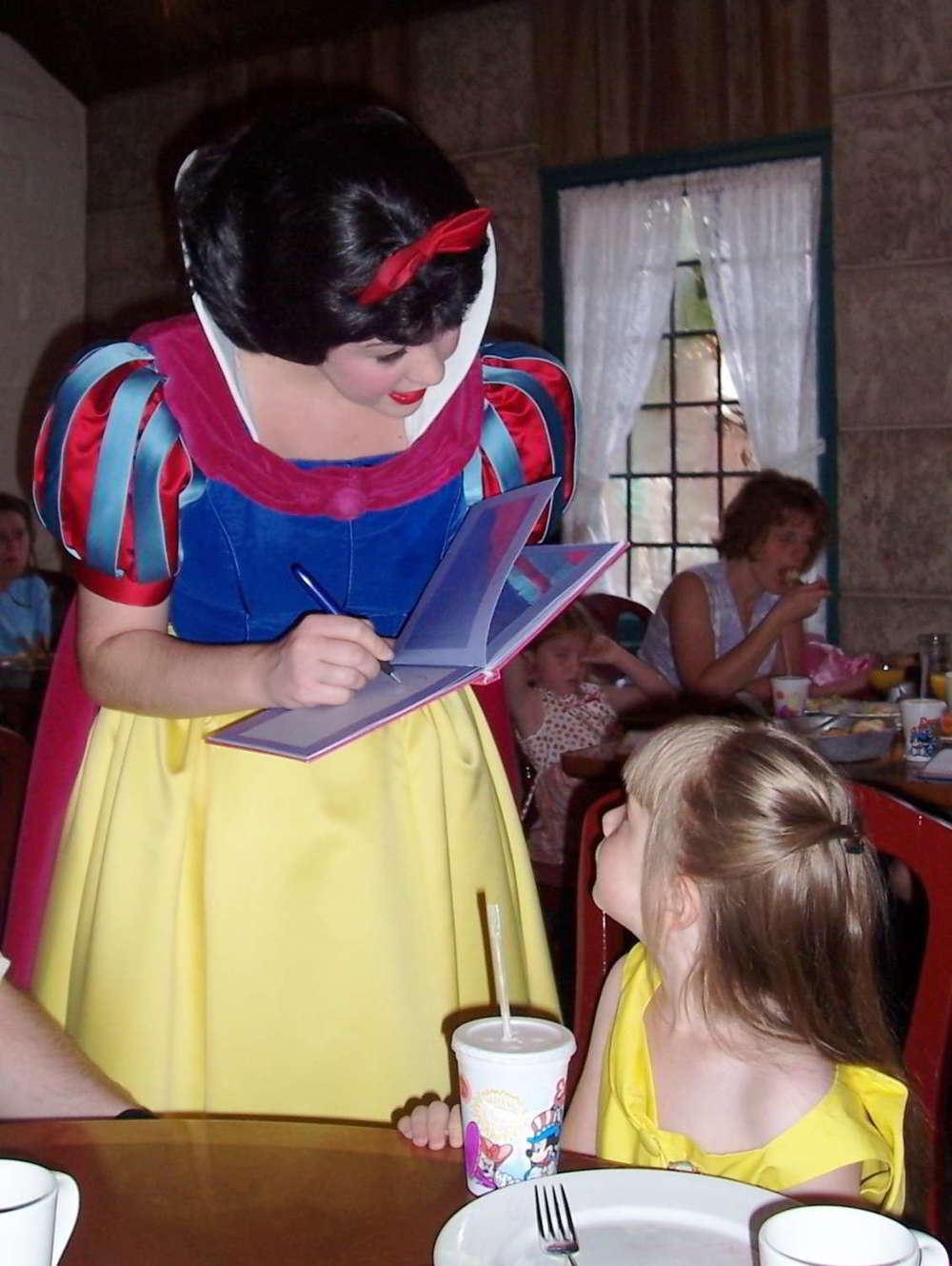 A List of places to dine with Disney Princesses at Disney World.  See: http://www.buildabettermousetrip.com/princess-meals-at-disney-world Photo by Monica Bryant.