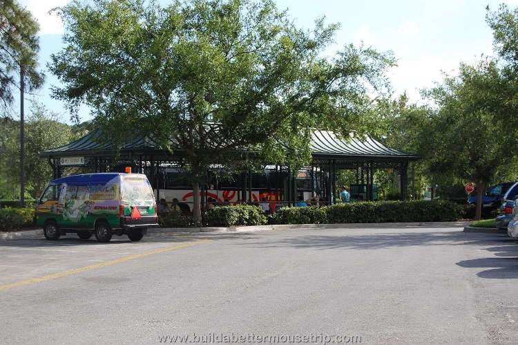 Disney's-Port-Orleans-French-Quarter-Bus-Stop (2).jpg