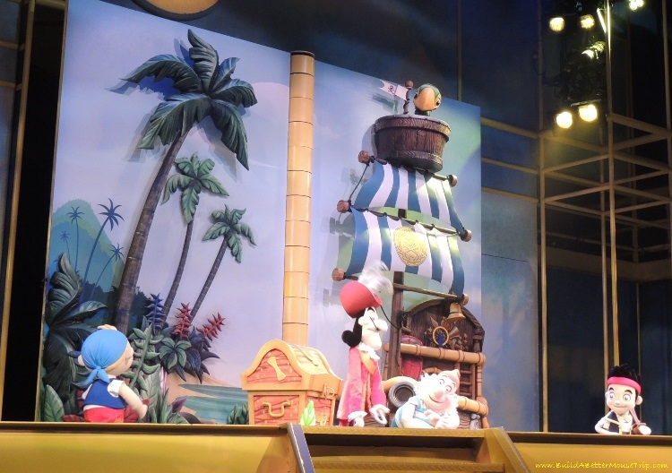 Finding Pirates at Disney World - Jake and the Never Land Pirate in Disney Junior - Live on Stage at Disney's Hollywood Studios.