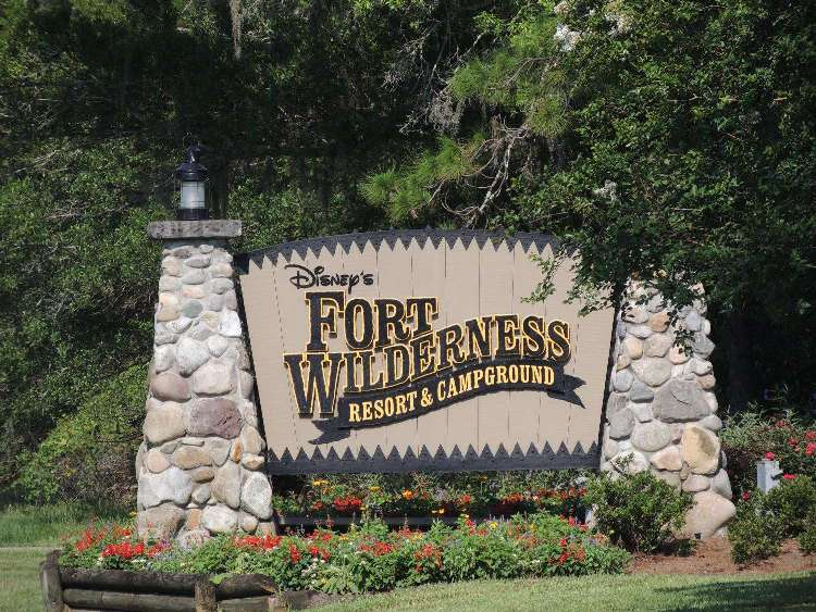 Disney's Walt Disney World Resort & Campground Sign