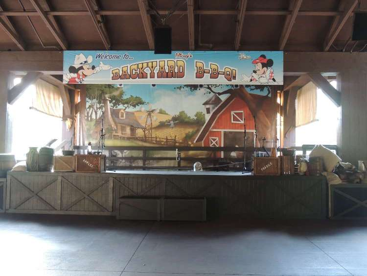 Stage for Mickey's Backyard Barbeque