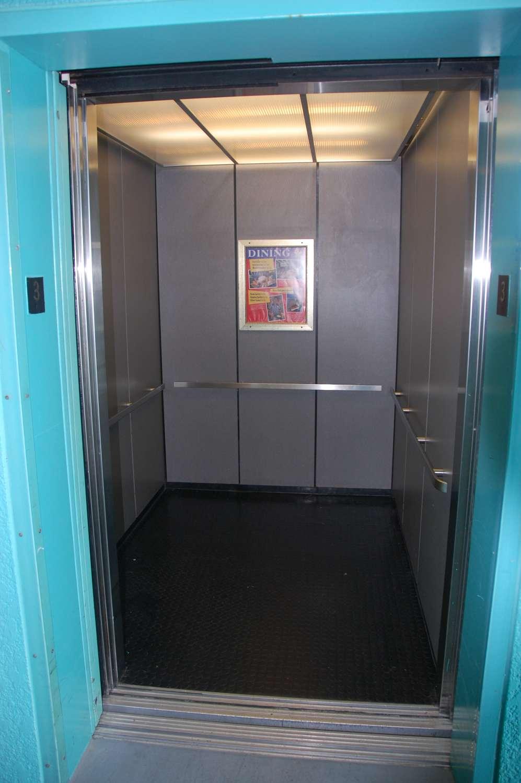 329-All-Star-Sports-Elevator.JPG
