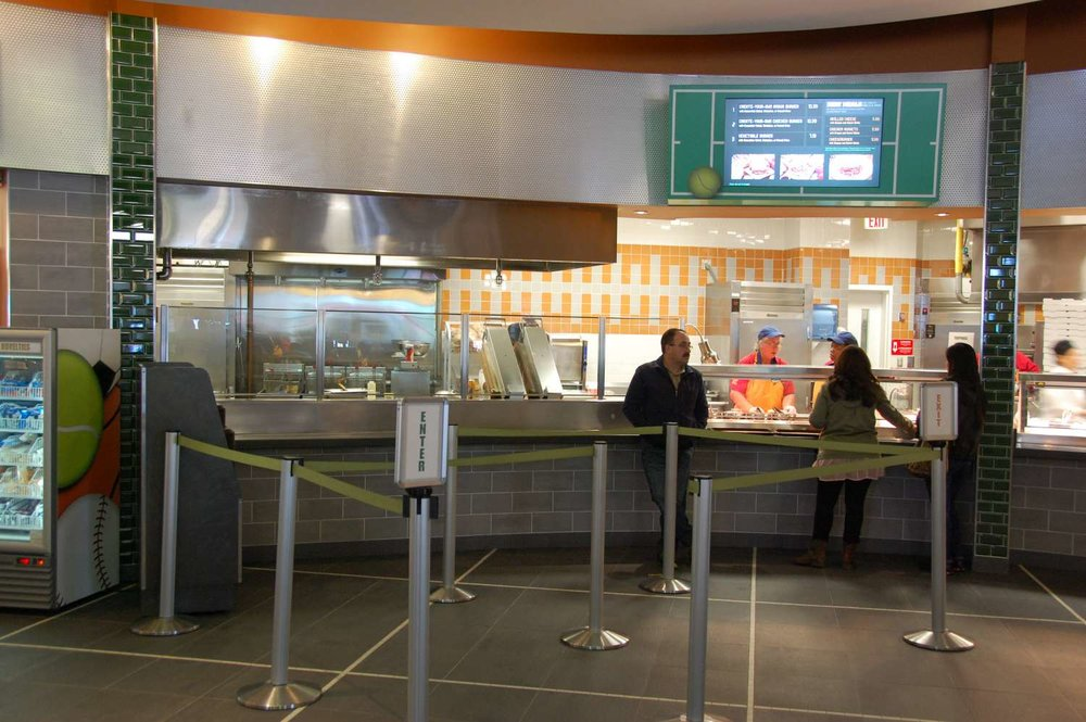 Disney's-All-Star-Sports-End-Zone-Food-Court (10).JPG