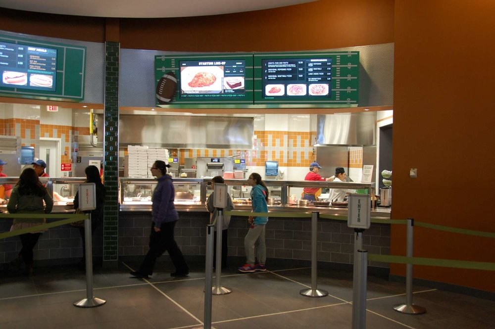 Disney's-All-Star-Sports-End-Zone-Food-Court (11).JPG