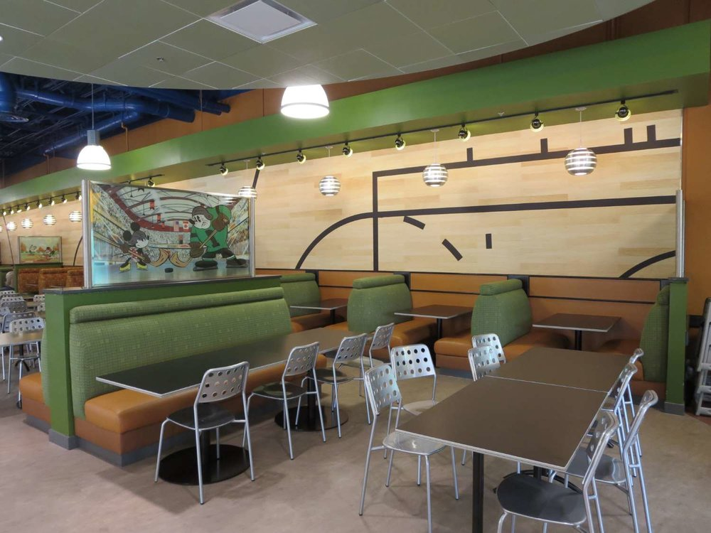 Disney's-All-Star-Sports-End-Zone-Food-Court-Seating (3).JPG