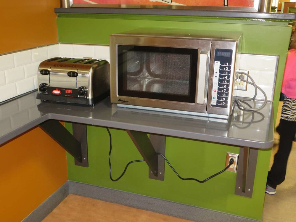 Disney's-All-Star-Sports-End-Zone-Food-Court-Toasters-and-Microwaves (2).JPG