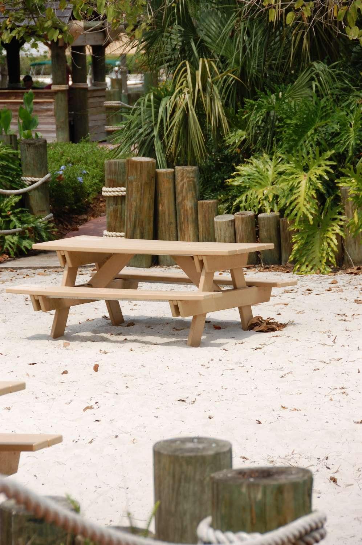 Disney's-Caribbean-Beach-Resort-Caribbean-Cay (5).jpg