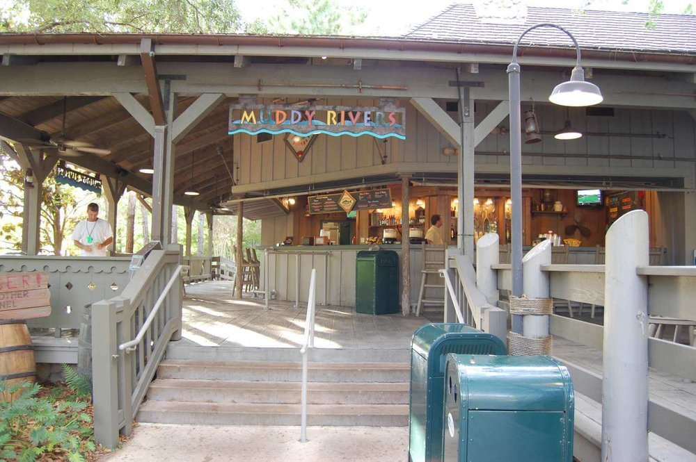 047-Disney's-Port-Orleans-Riverside-Muddy-Rivers-Pool-Bar.JPG