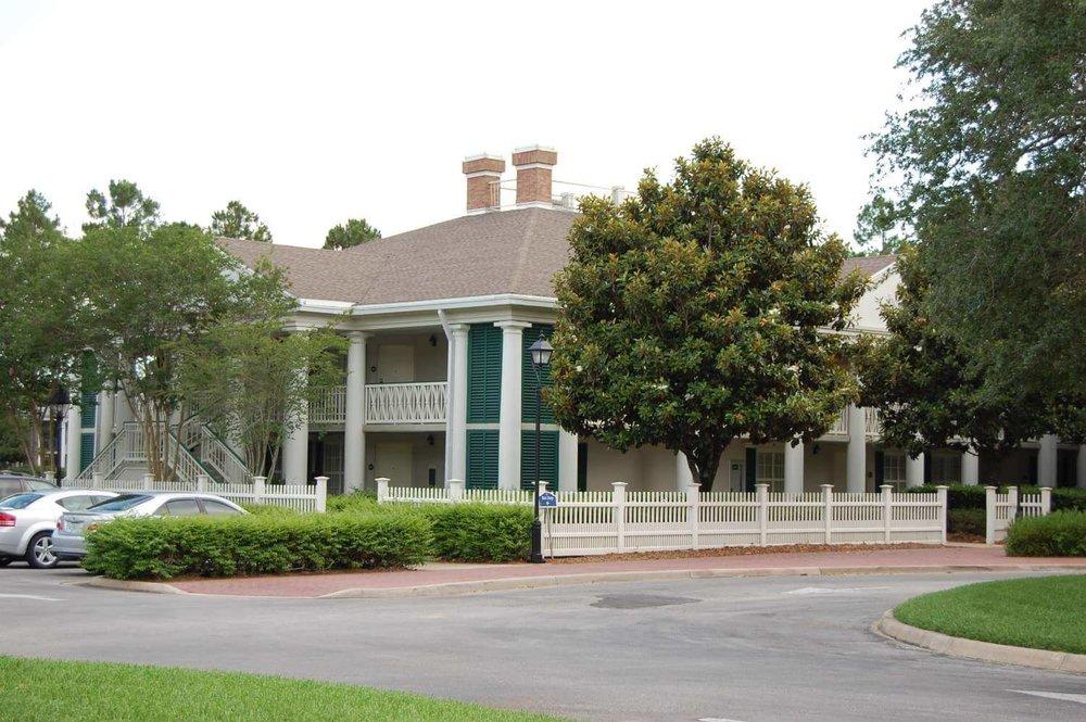 078-Disney's-Port-Orleans-Riverside-magnolia-terrace.JPG