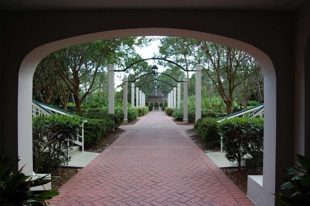 082-Disney's-Port-Orleans-Riverside-magnolia-terrace.JPG