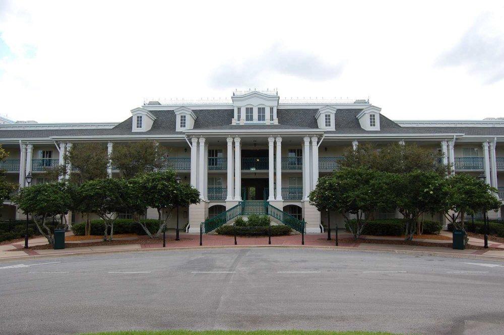 099-Disney's-Port-Orleans-Riverside-parterre-place.JPG