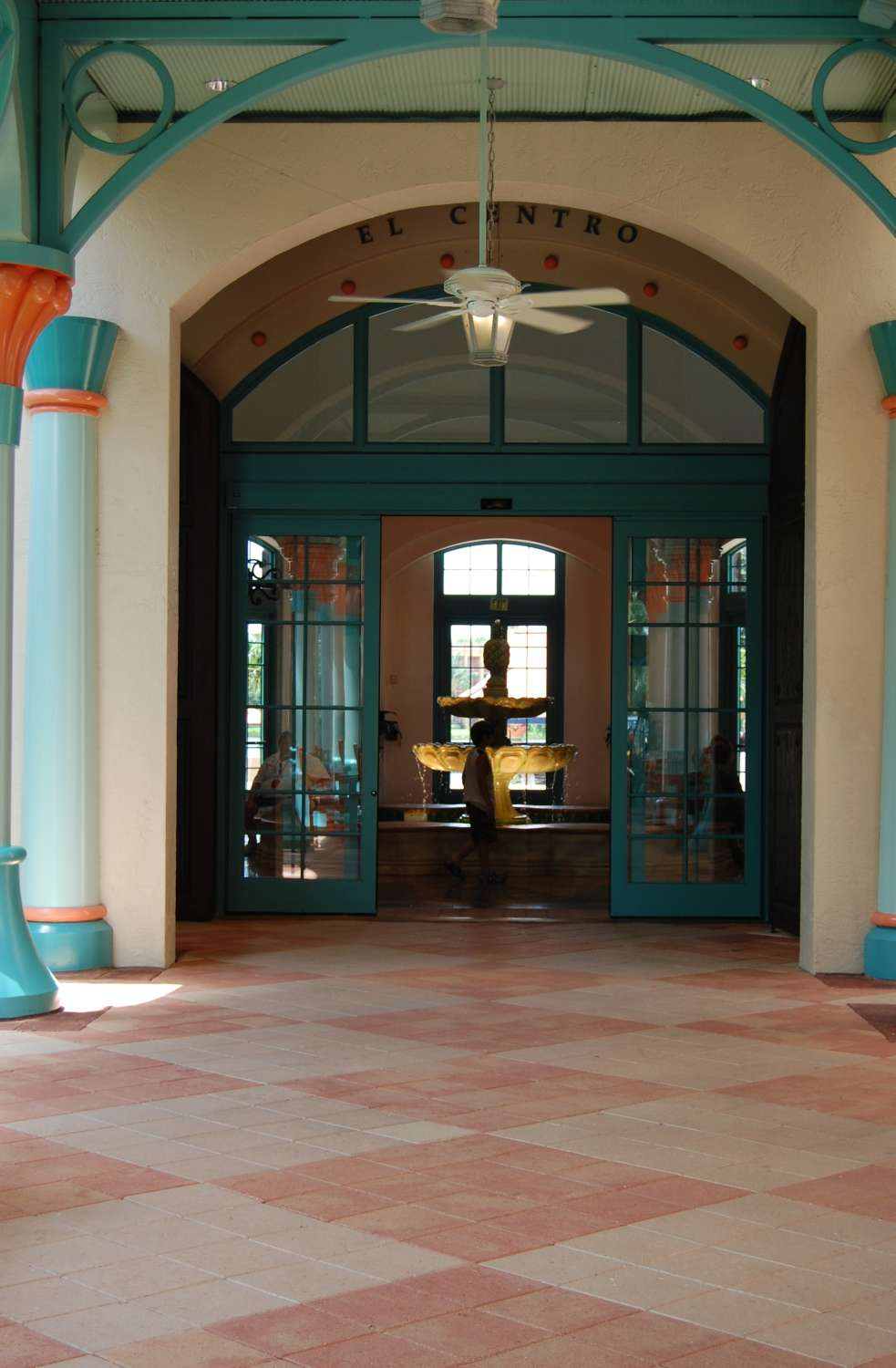 coronado-springs-003-Resort-Entrance.JPG