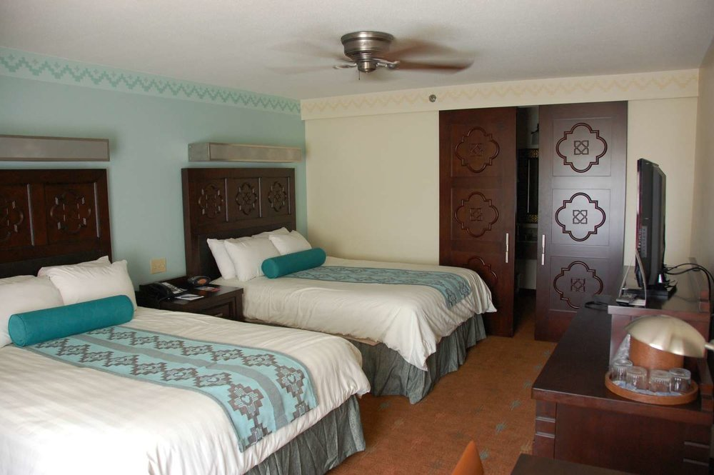 coronado-springs-042-Room-Queen-Beds.JPG