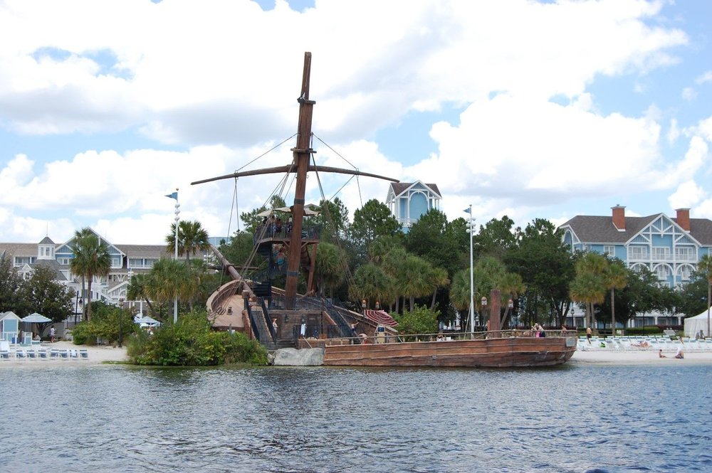 Disneys-Beach-Club-Albatross-Pirate-Ship-compressor.jpg
