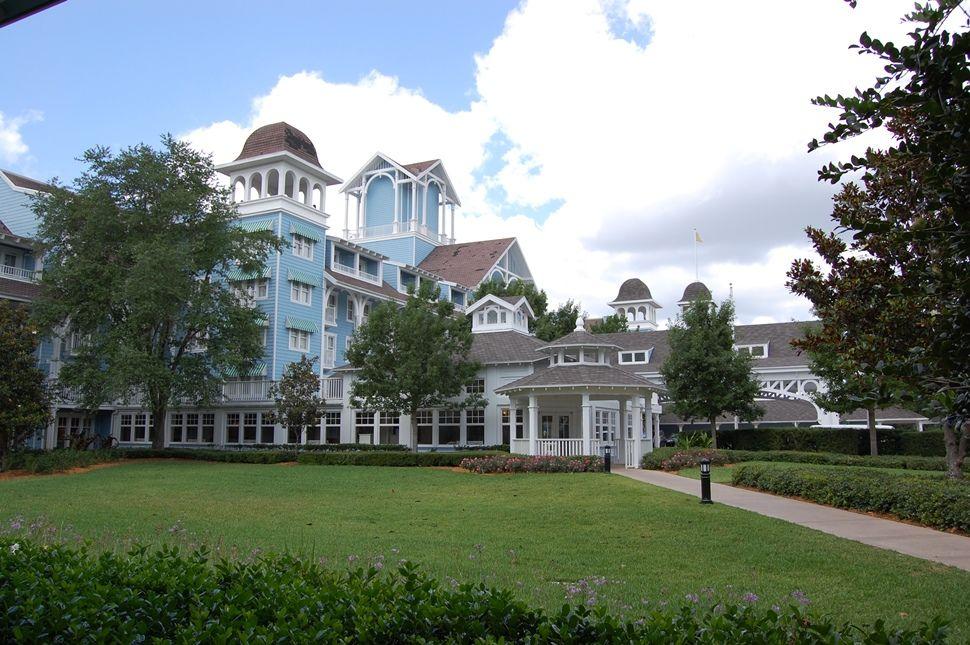 Disneys-Beach-Club-Resort-and-Villas-Banner-compressor.jpg