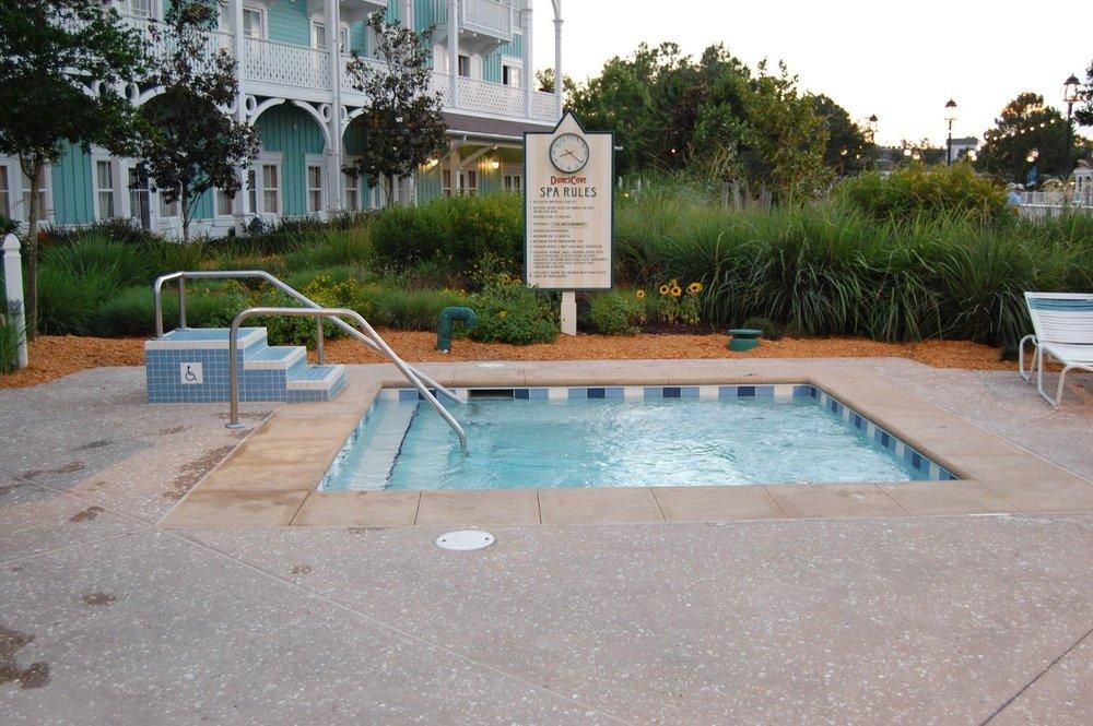Disneys-Beach-Club-Villa-Hot-Tub-compressor.jpg