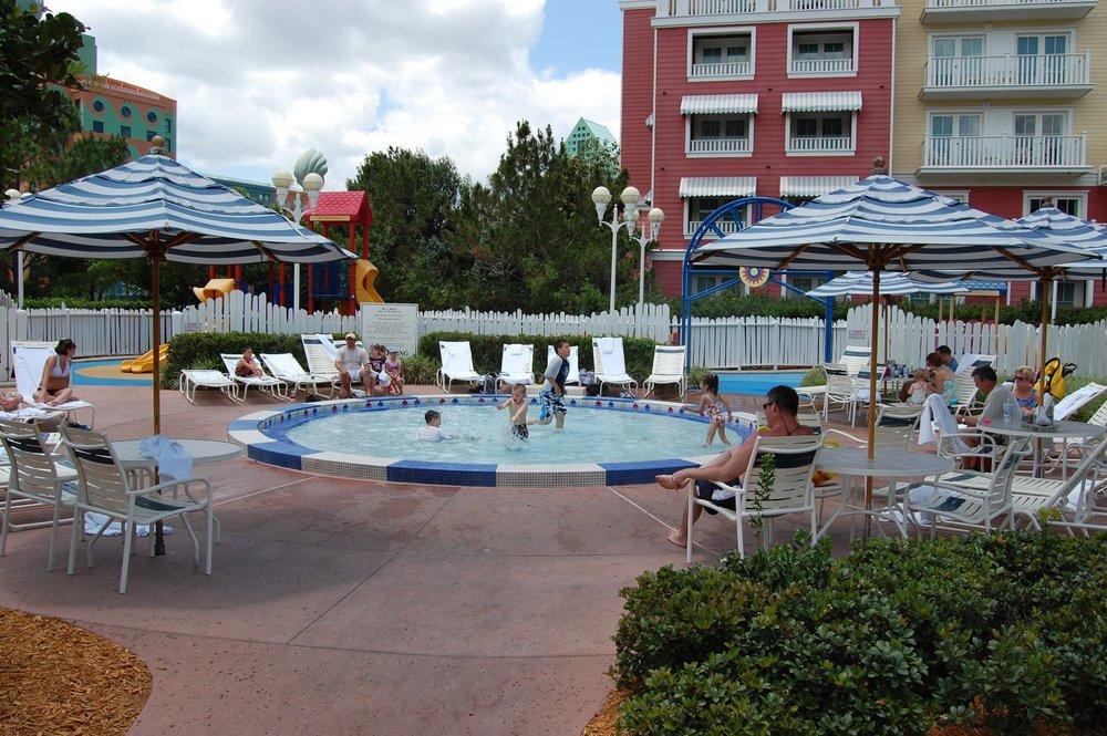 Disney's-Boardwalk-Inn-Wading-Pool.JPG