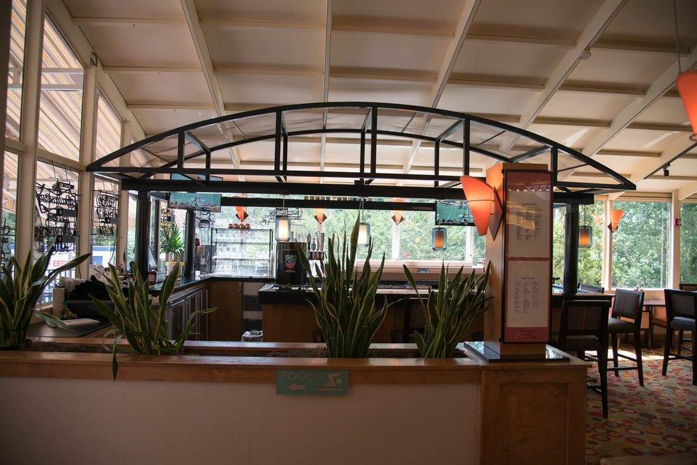 Flamingo Cove Lounge - Best Western Lake Buena Vista Hotel