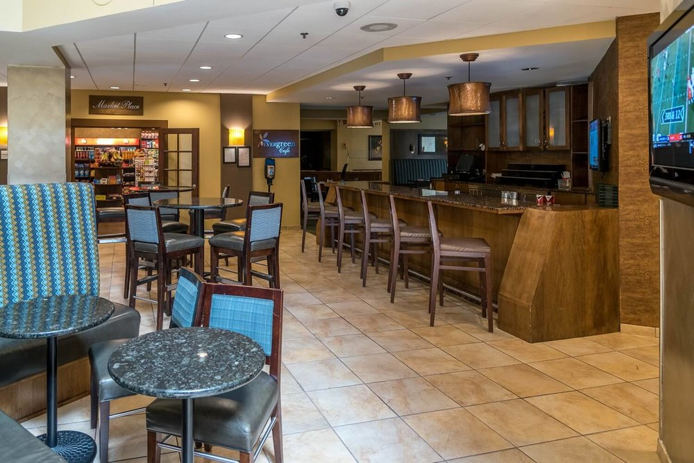 Evergreen Lounge and Cafe at DoubleTree Suites by Hilton Orlando - Disney Springs Resort Area