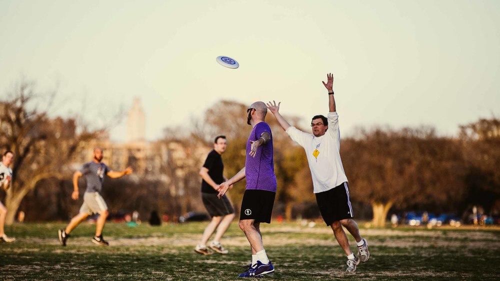 Frisbee-100.jpg
