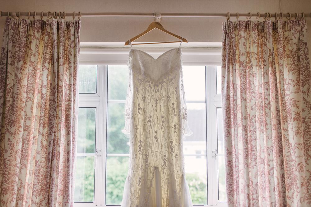 093 Stunning Bride's dress.jpg