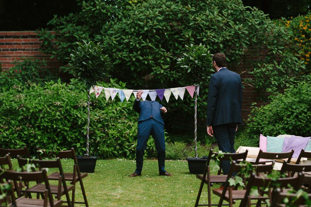 117 Wedding limbo dance.jpg