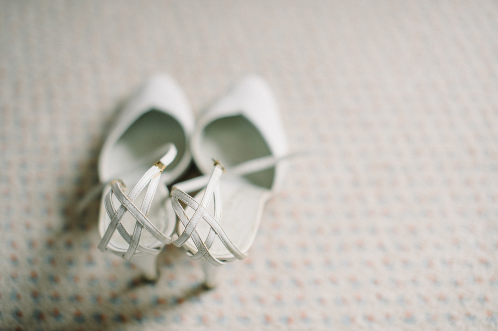 vintage wedding shoes.JPG
