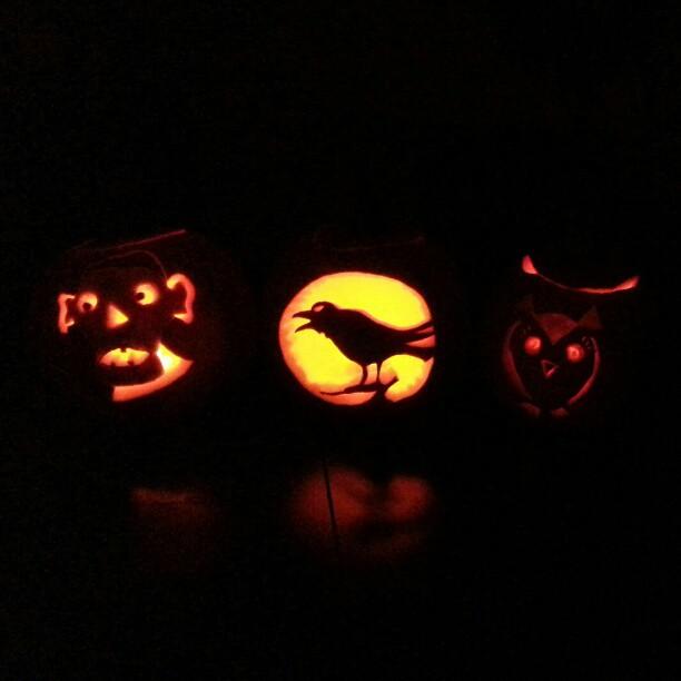 Punkin Calvin 2012. #pumpkincarving #pumpkin #crow #owl  (Taken with  Instagram )