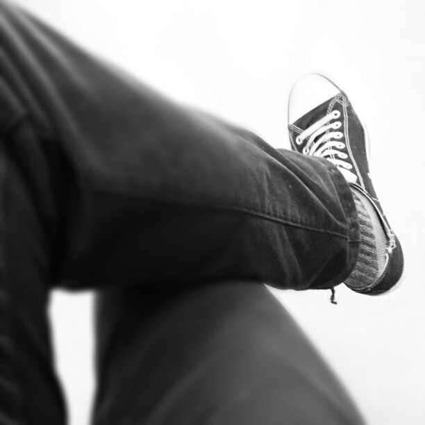 #chucks #shoe #converse #legs #b&w #blackandwhite  (at Wenatchee Valley College Music and Fine Arts Builing)