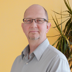 Matthew E. Smith, LMT - As the owner of Bodylogic, Matthew selects and manages staff members while continuing to practice massage therapy for over ten years. He offers superb deep tissue and myofascial release, craniosacral therapy, with a focus on Dalton's myoskelatal alignment technique, and energy modalities.