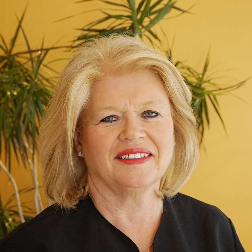 Wanda Allman, LMT  - Graduated from Mountain State School of massage in 2000. A therapist at the Greenbrier Resort. Wanda uses many techniques for a customized massage. Wanda can bring holistic balance into the session with essential oils, energy based modalities, and appropriate pressure to address the root.