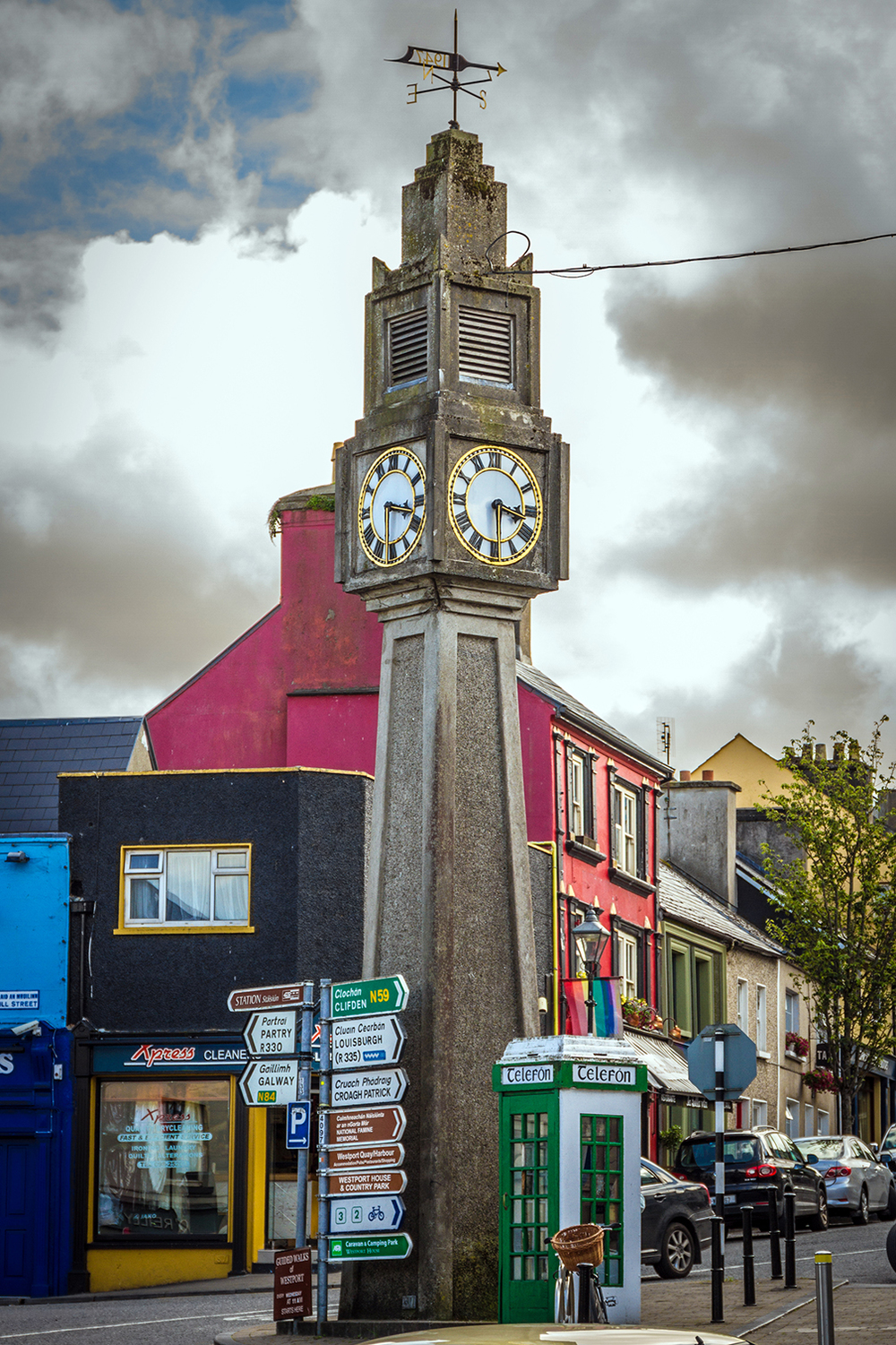 The clock tower in Westport Town