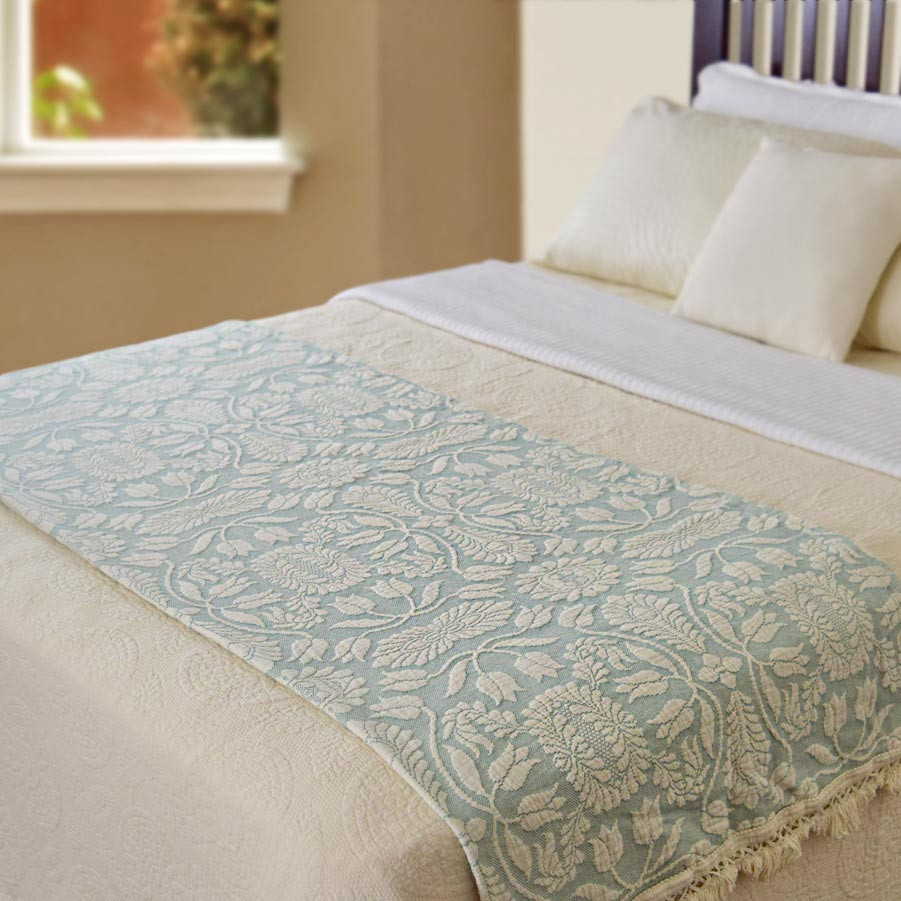 Colonial Rose Throw (Click Image to Enlarge)