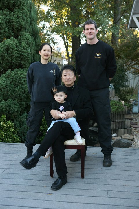 Daisihing, Sijei Alice, and Little Kate with Sifu