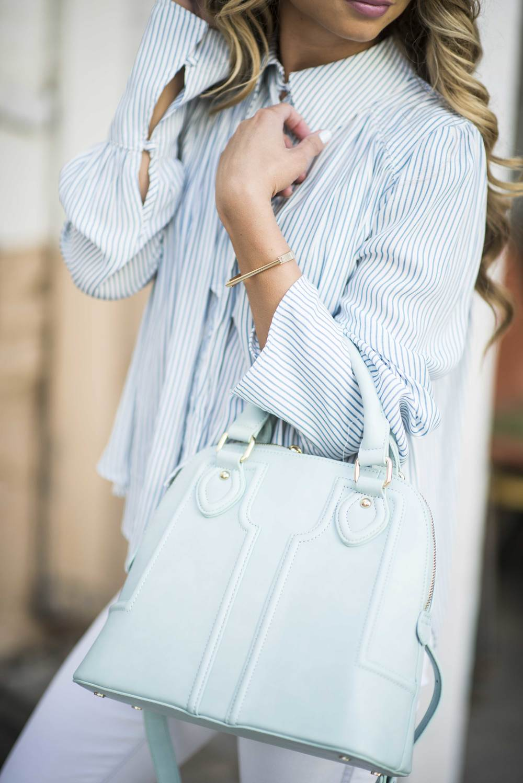 JessaKae- pastel outfit with pinstripesJessaKae- pastel outfit with pinstripes
