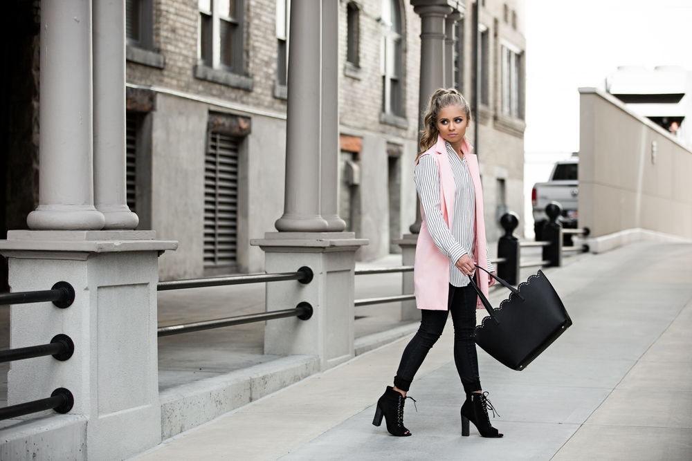 striped shirt, vest, laced shoes, scallop bag. fashion blogger, street style, blonde hair, pony tail fashion, jessakae