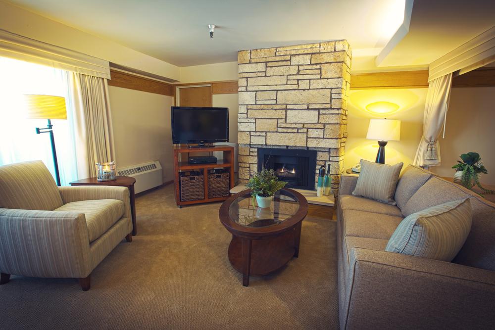 Livingroom_HDR_1_Flat copy copy.jpg